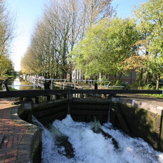 Kennet and Avon Canal, Aldermaston Lock