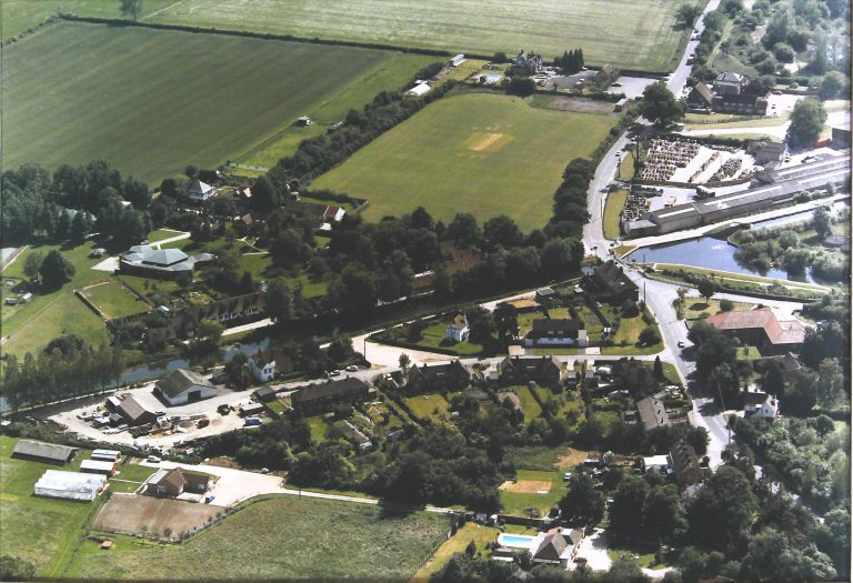 Aerial photo, Aldermaston Wharf | Aipics