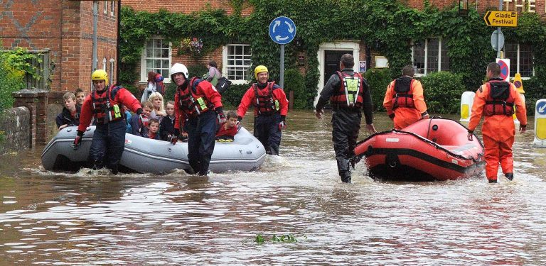 July 2007 - School children rescued from flood