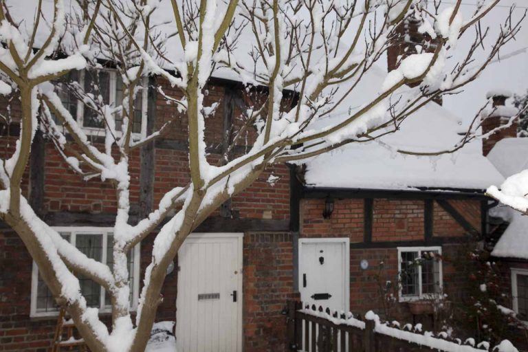 Snowy Aldermaston- Tudor Cottages