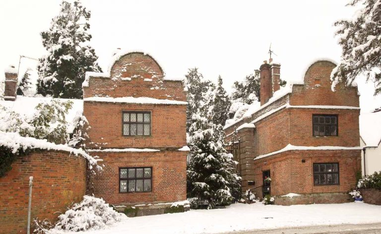 Snowy Aldermaston- The Gatehouses