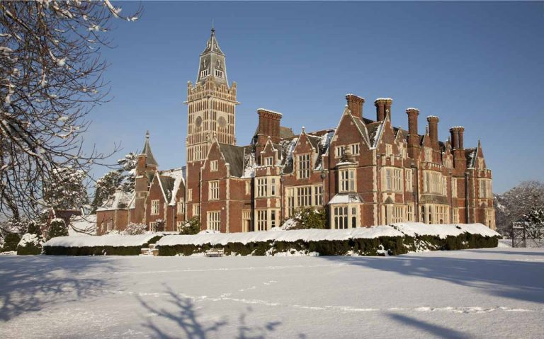 Snowy Aldermaston- The Manor House 2